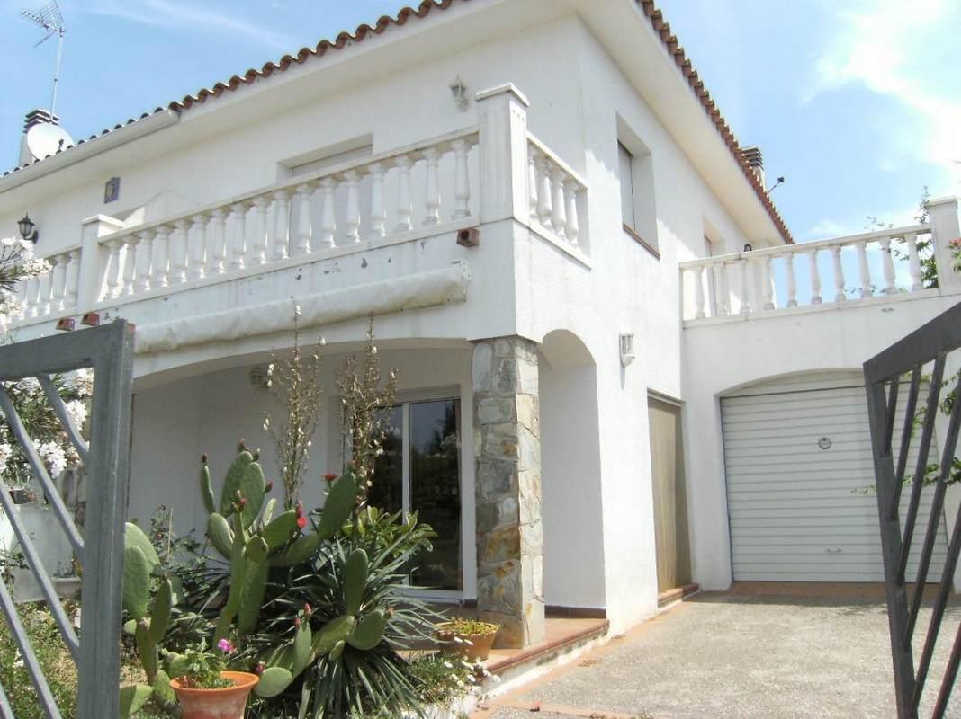 Alquiler casas l escala 25 1466693427348 alquiler de vacaciones l escala - Alquiler de casas vacaciones ...