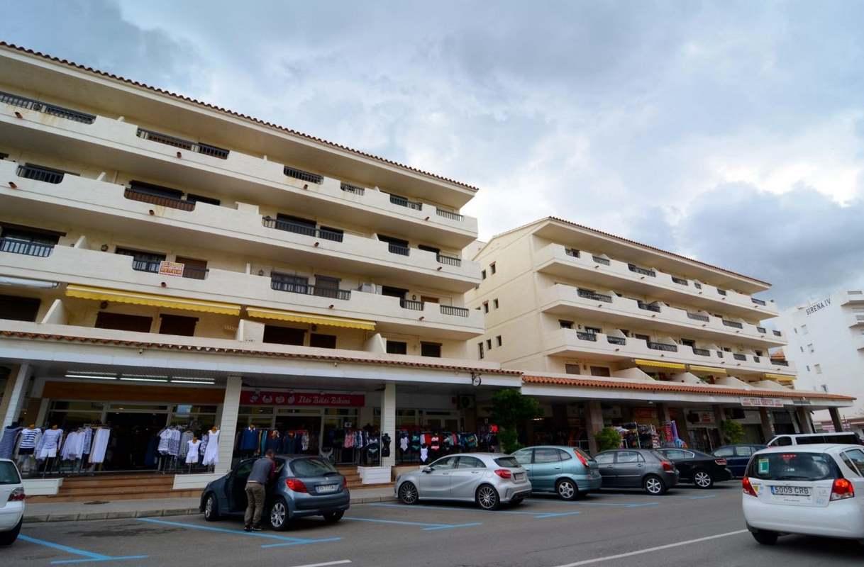 Location appartements l escala 25 1472744178927 location for Location appartement l