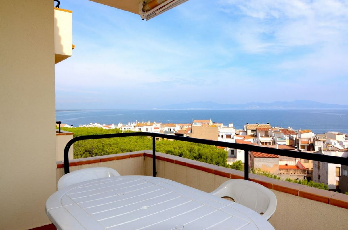 Alquiler apartamentos l escala 25 1488396072641 alquiler de vacaciones l escala - Alquilar apartamento vacaciones ...